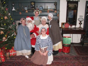 Santa & Mrs. Claus Meet Kids for Photos and Treats @ Smith-Appleby House Museum | Smithfield | Rhode Island | United States