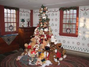Smith-Appleby- Teddy-Bear-Christmas-tree