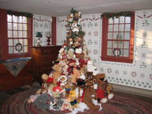 Smith-Appleby- Teddy-Bear-Christmas-tree