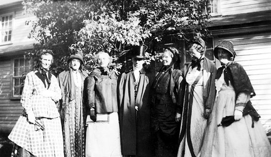 Group at the Smithfield BiCentennial 1931